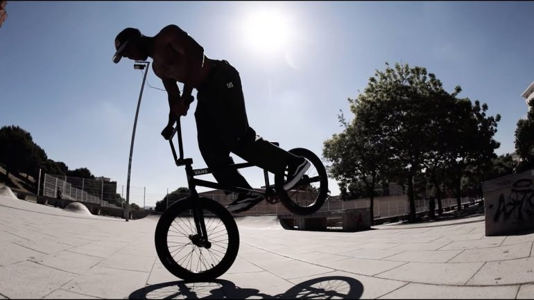 Courage Adams & Devon Smillie - Loked BMXmagazine